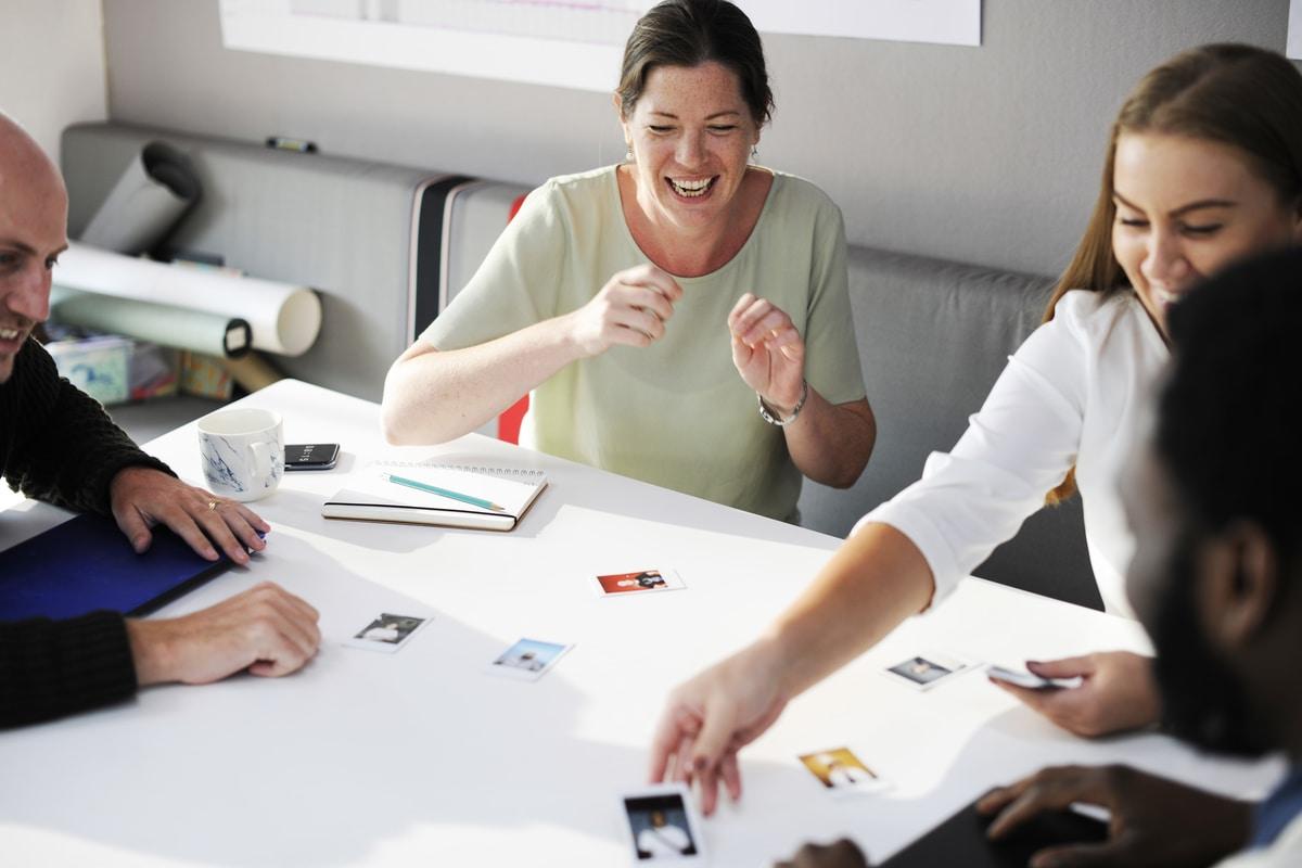 coworking-ženski poslovni kutak